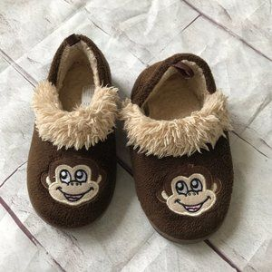 Other - ♦️4/$25 Toddler Boys Slippers Size 7-8